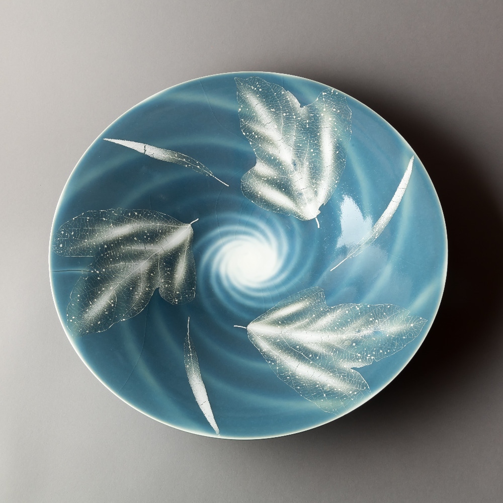 青磁秞彩葉紋鉢