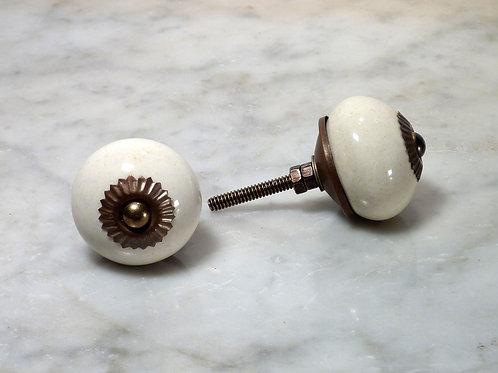 Round Ivory Antique SCRK-02