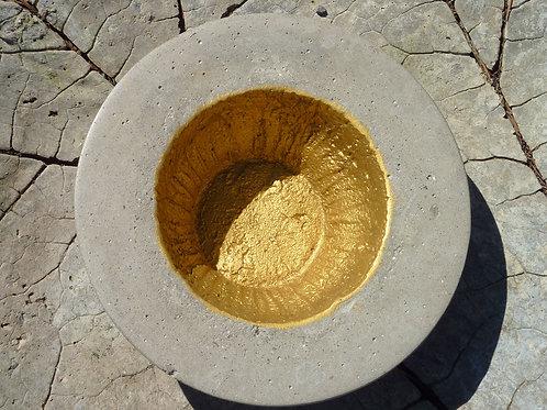 Betonschale klein m. Gold poliert Nr. 16