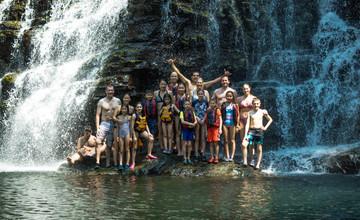 Nauyaca - Family in front of waterfall.j
