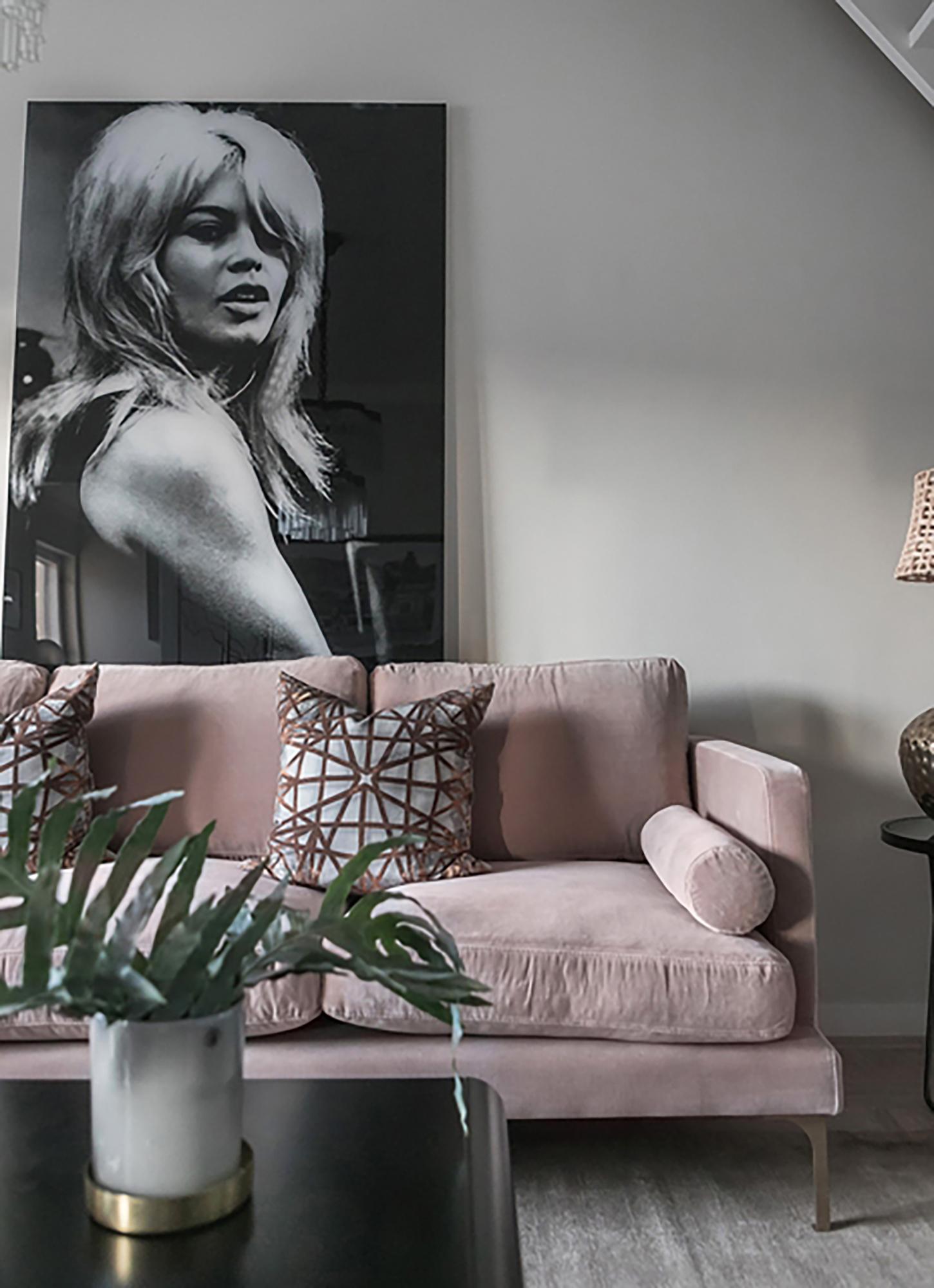 Gammeldags rosa soffa