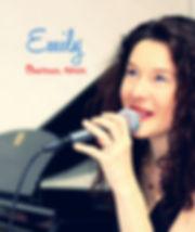 Emily de la Cie Prélude Music chateuse, flûtiste, pour vos Ehpad