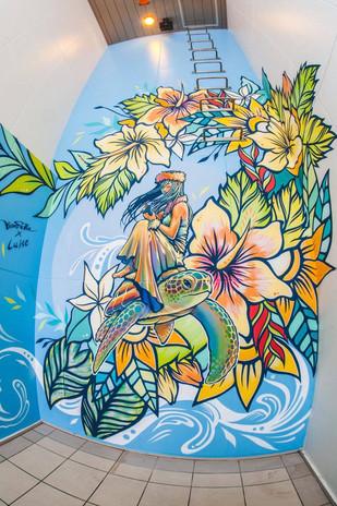 【KensukeTakahashi x LuiseOno】 町田01cafe様 壁画を提供させていただきました