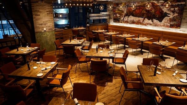 【選曲家 DJ MEGUMUSIX】Salt grill & tapas bar by Luke Mangan |GINZA SIX| 様の、ランチタイム / ディナータイム店舗内音楽を選曲さ