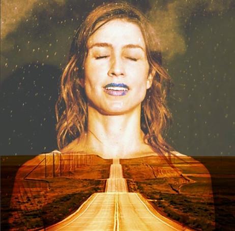 Ação de sentir, de perceber através dos sentidos, de ser sensível