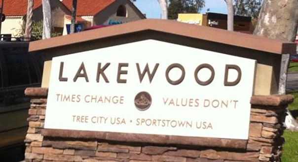 lakewood_grass_sign.JPG