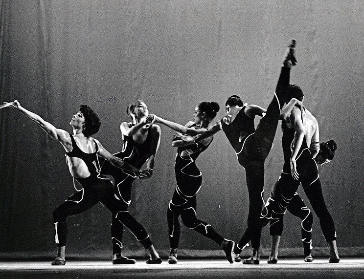 dancers-pandora.jpg