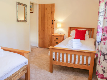 Twin Bedroom, The Stables Holiday Cottage, Mid Wales