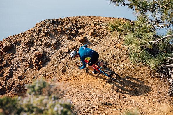 רוכב אופניים על אופני שטח