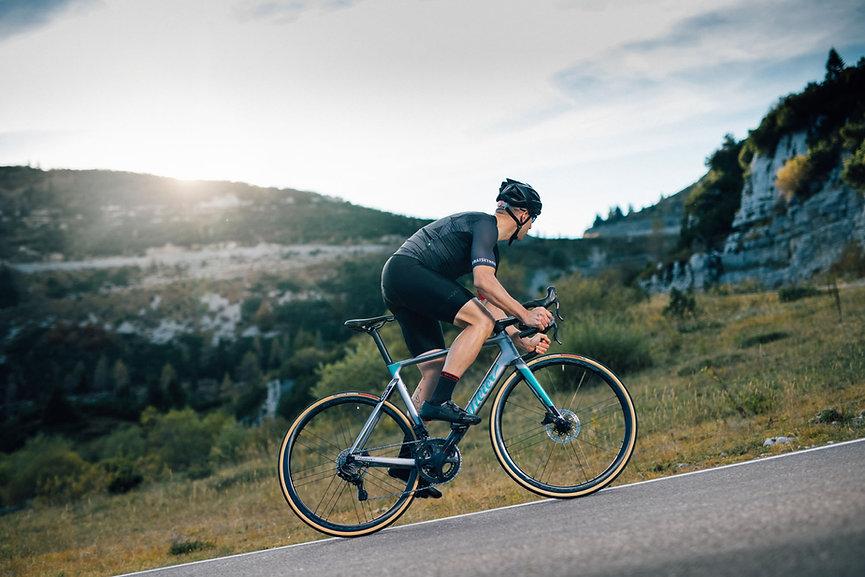 רוכב אופני כביש על filante