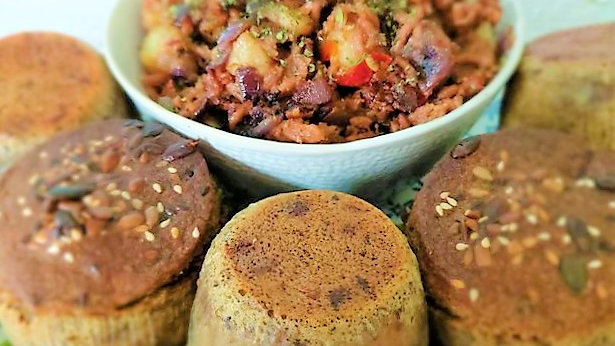 Mince meat and onion with roast tatties. Box of 4 large muffins.