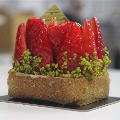 Vegan Strawberry - Pistachio Tartelette and Coconut Cremeux  testing recipe _lartisanebakery  #vegan