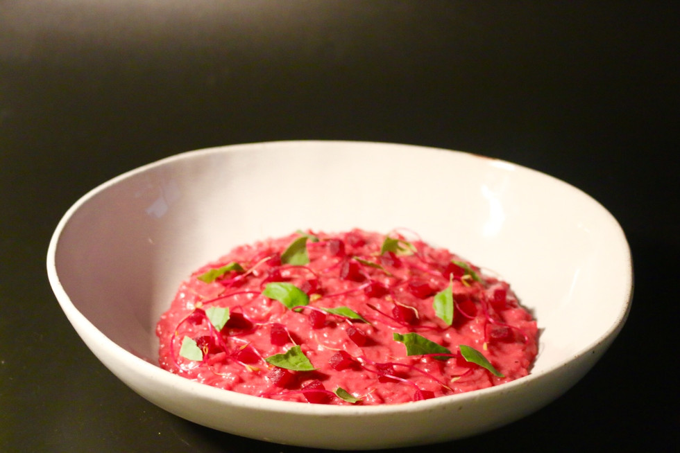 Beets risotto with onions cream