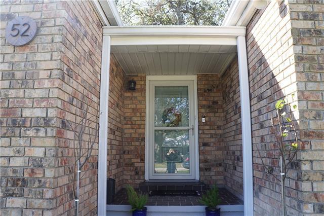 52 Willow St front door