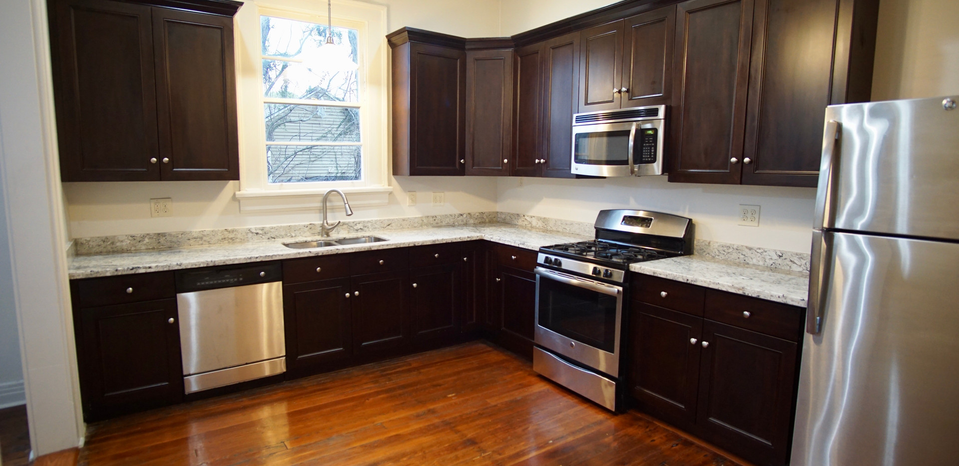 stainless stell appliances and granite countertops