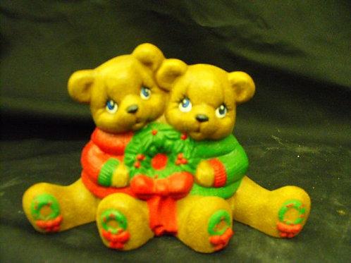 Cuddle bears w/wreath