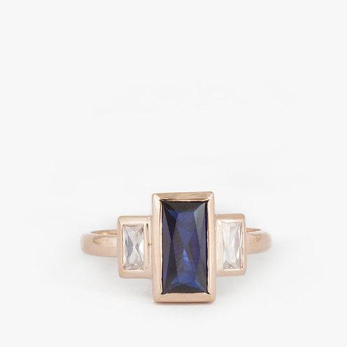 טבעת ספיר כחול בגט קלאסית