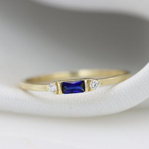 טבעת בגט ספיר  0.17 ct ויהלומים קטנים