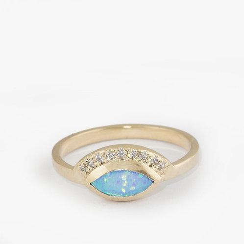 טבעת מניפה אופל מרקיזה ויהלומים