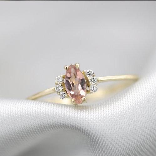 טבעת זהב ספיר כתום ויהלומים