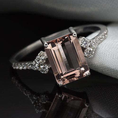 טבעת מורגנייט ויהלומים