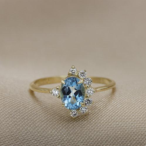 טבעת כתר לונדון בלו-טופז ויהלומים