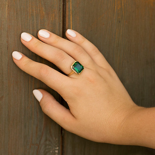טבעת אמרלד 6.35 קארט