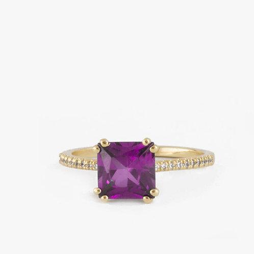 טבעת סוליטייר אמטיסט משובצת יהלומים
