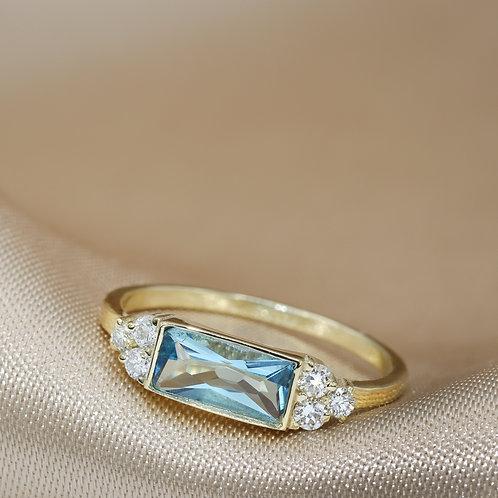 טבעת אקוומרין ויהלומים