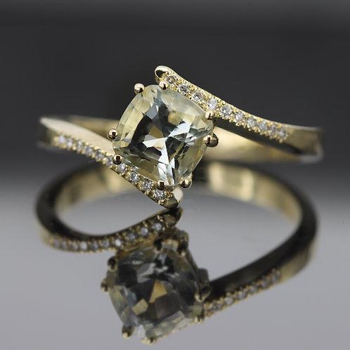 טבעת אירוסין אקוומארין ירוק ויהלומים