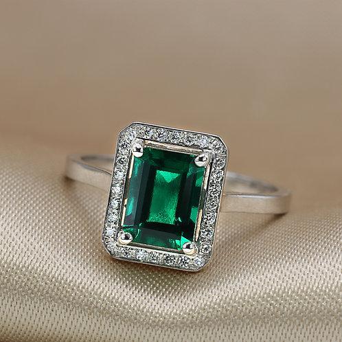 טבעת אמרלד ויהלומים מלבנית