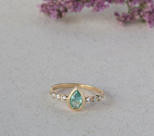 טבעת אפטייט עם יהלומים