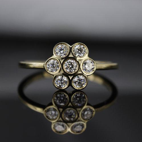 טבעת פרח יהלומים