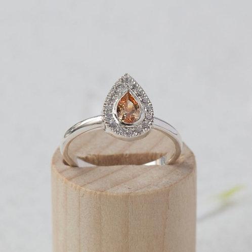 טבעת ספיר כתום ויהלומים
