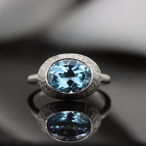 טבעת מרוקעת אקווה מרין ויהלומים