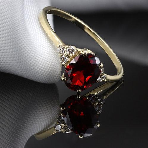 טבעת גרנט אובל עם יהלומים