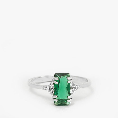 טבעת יהלומים קטנים ואמרלד 0.78 קרט