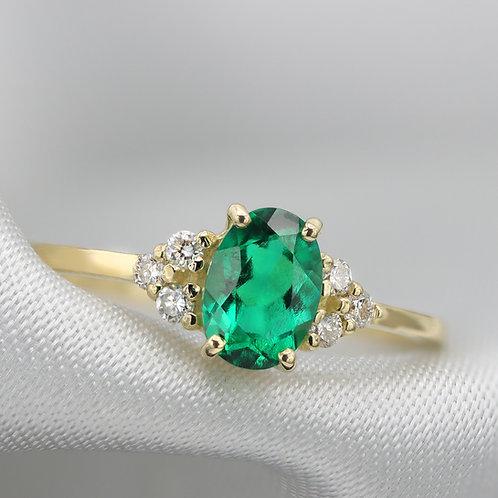 טבעת אמרלד 7X5 ממ oval cut