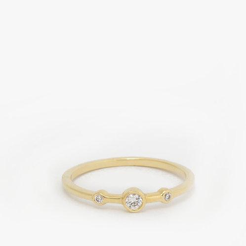 טבעת 3 יהלומים 0.12 נקודות עדינה