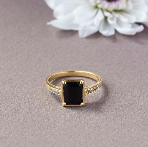 טבעת אוניקס בשילוב יהלומים\ספיר לבן
