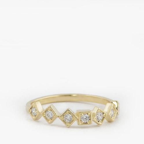 טבעת מרובעים-יהלומים