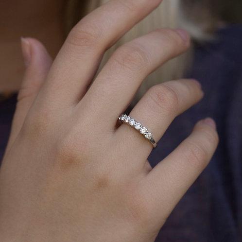 טבעת 7 יהלומים