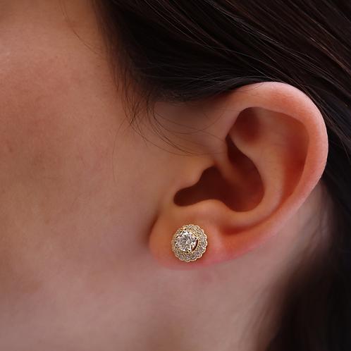 עגילי מוסונייט עם הילת יהלומים