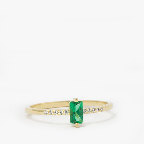 טבעת אמרלד בגט עדינה(0.24ct) ויהלומים