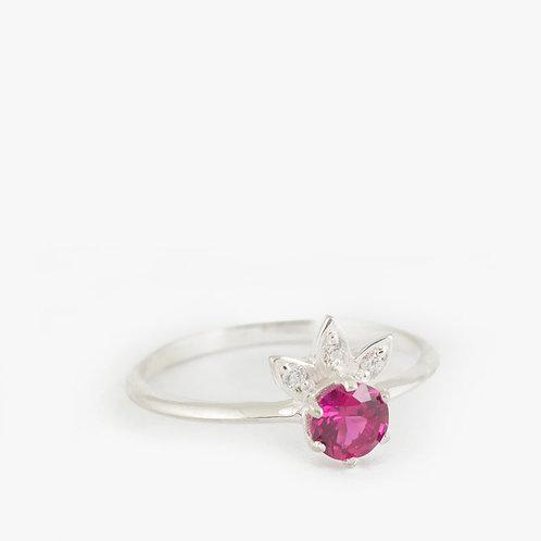 טבעת סוליטייר רובי ויהלומים