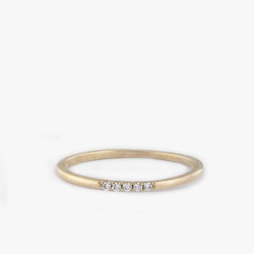 טבעת 5 יהלומים דקה