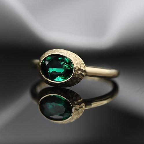 טבעת מרוקעת אמרלד 1.21 ct