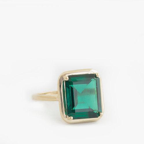 טבעת אמרלד מעולה  5.32 קרט