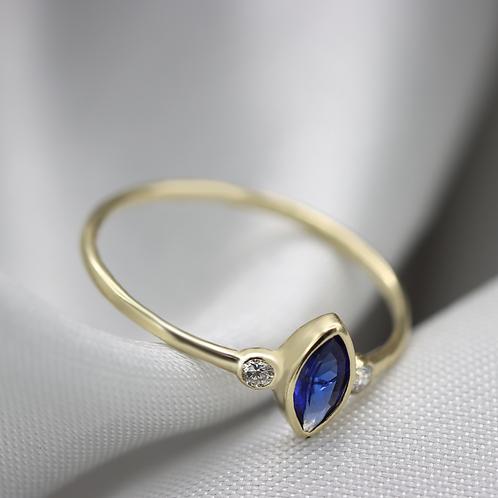 טבעת ספיר מרקיזה עם יהלומים
