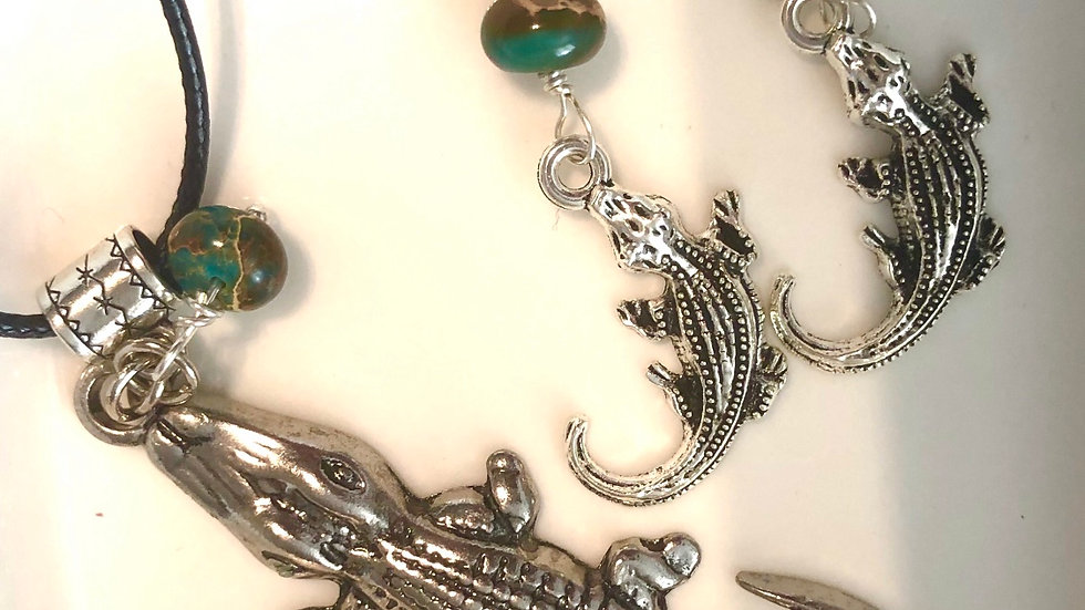 Crocodile necklace earring set